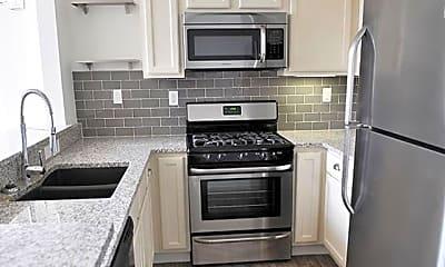 Kitchen, 1080 Euclid Ave NE Unit #2, 2