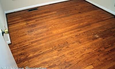 Living Room, 100 Oleander Rd, 2