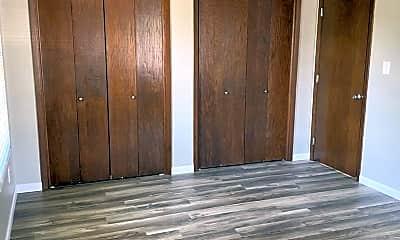 Bedroom, 2036 Preble Ave, 2