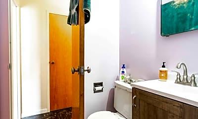 Bathroom, 509 E 7th St, 1