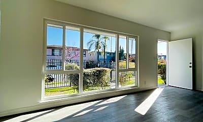 Living Room, 4122 Palmwood Dr, 0