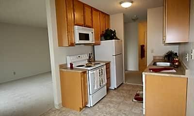 Redwood Grove Apartments, 1