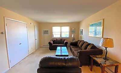 Living Room, 742 N Surrey Ave, 1