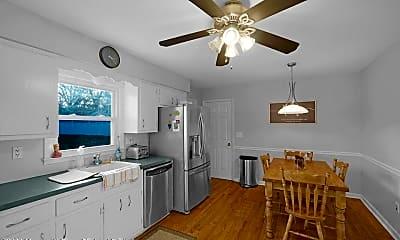 Kitchen, 534 Apple Dr, 1