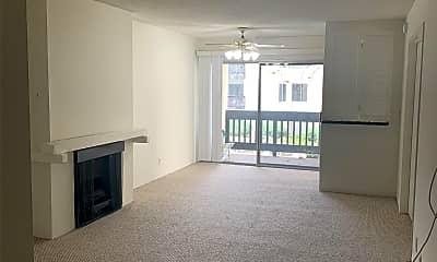 Living Room, 4211 Summertime Ln, 0