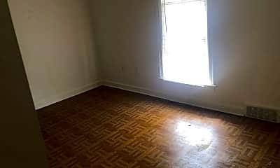 Bedroom, 1004 E Crosstown Pkwy, 2
