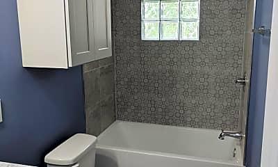 Bathroom, 317 Dequincy St, 2