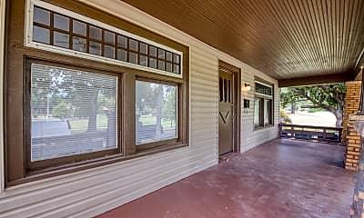 Patio / Deck, 2915 N Harvey Pkwy, 1