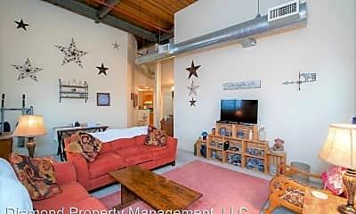 Living Room, 723 S Main St, 1