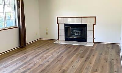 Living Room, 4335 Yukon Ave, 1