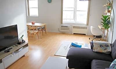 Living Room, 2160 Center Ave 3, 1
