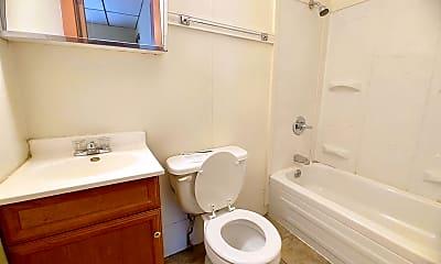Bathroom, 702 N Oak St, 2