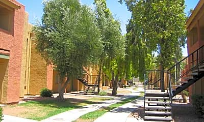 Canyon Woods, 2