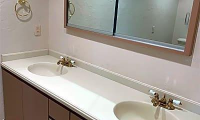 Bathroom, 4935 Riverwood Ave, 2