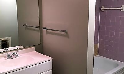 Bathroom, 716 Cumberland St, 2