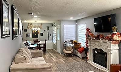 Living Room, 725 Duke Ave, 1