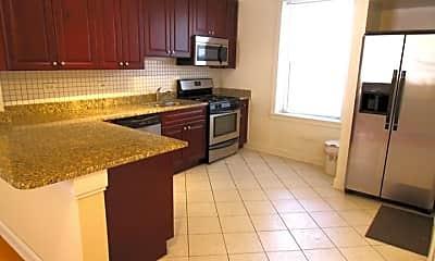Kitchen, 6107 S Kimbark Ave, 1