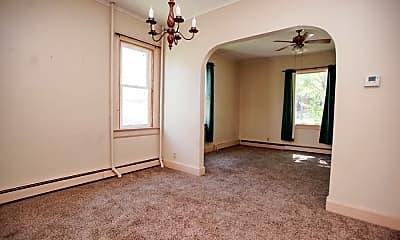 Bedroom, 305 S Broadway St, 1