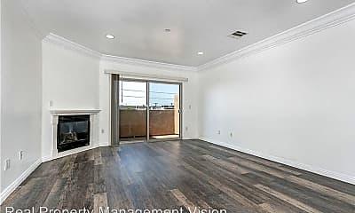 Living Room, 1515 Grismer Ave, 1