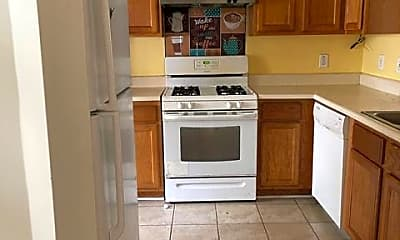 Kitchen, Room for Rent - Live in Austell, 1