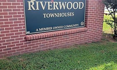 Riverwood Townhouses, 1