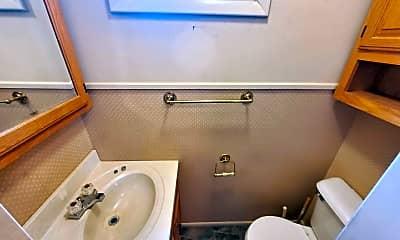 Bathroom, 128 N Jefferson St, 2
