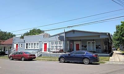 Building, 323 E Carson, 1