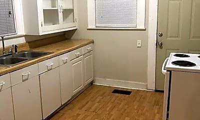 Kitchen, 2306 Sanger Ave, 2