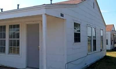 Building, 1002 N Lake St, 0