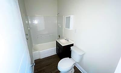 Bathroom, 1949 8th St, 2
