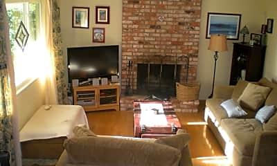 Living Room, 1019 Cabot St, 1