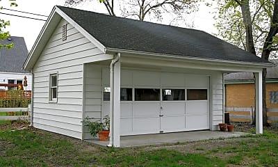 Building, 316 Mc Kinley Ave, 2