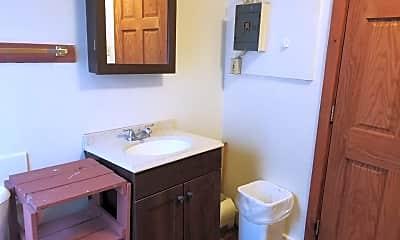 Bathroom, 426 Oak St, 2