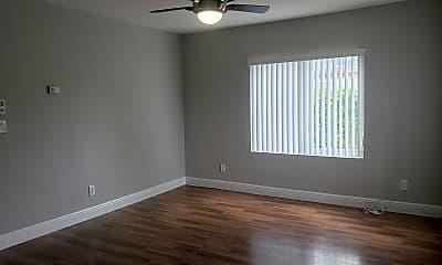 Living Room, 5820 Grant St, 0