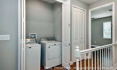 Bathroom, 739 Minnesota Ave, 2