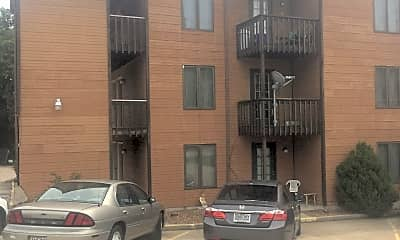 Timberline Apartments, 2