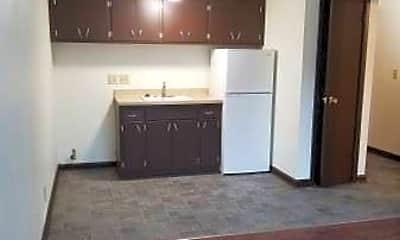Kitchen, 2738 E Bolivar Ave, 1
