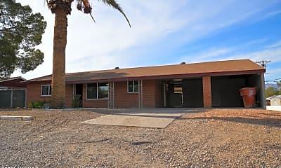 Building, 4743 E 13th St, 1