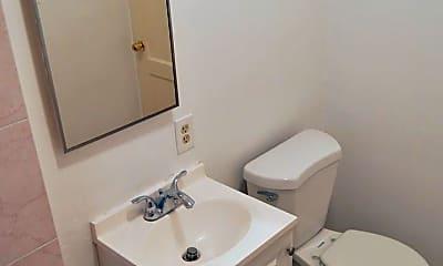 Bathroom, 520 S Pacific Ave, 2