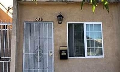 Building, 638 E 7th St, 1