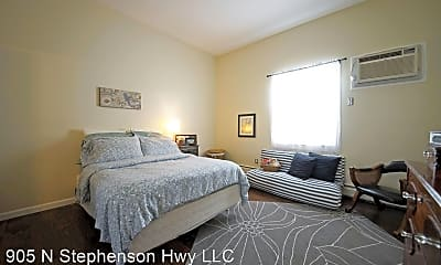 Bedroom, 1105 N Stephenson Hwy, 2