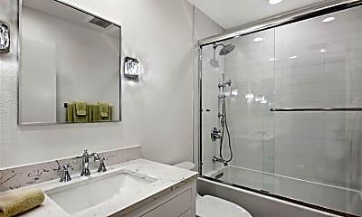 Bathroom, 33 Sea Island Dr, 2
