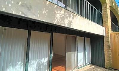 Building, 3912 Mandell St, 2