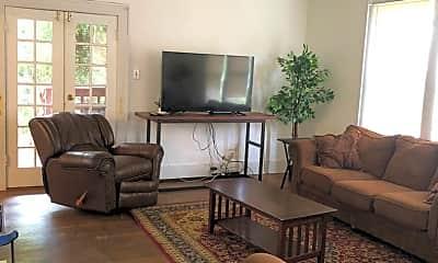 Living Room, 827 Harris Ave, 1