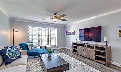 Living Room, 5124 N 31st Pl 533, 1