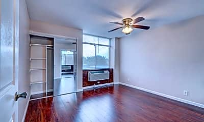 Living Room, 7520 Hornwood Dr 206, 1
