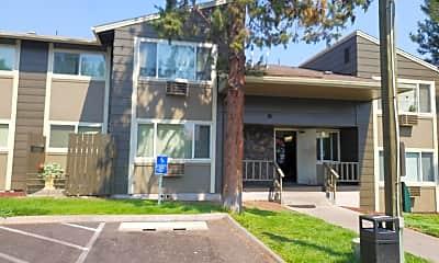 Pinewood Apartments, 2