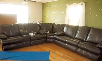 Bedroom, 8219 Chesapeake Blvd, 2