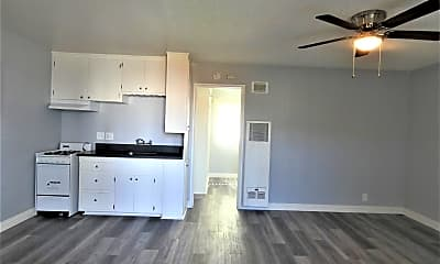 Living Room, 1526 Magnolia Ave, 0