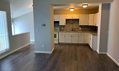 Kitchen, 1117 E Oak Dr, 0